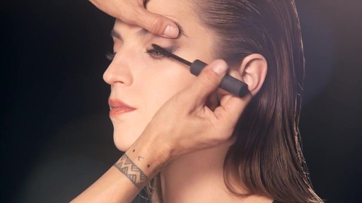 NARS Artistry Sessions : NARS Eyeliner Stylo Collection - image 10 from the video