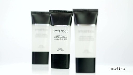Smashbox Photo Finish Primer Water - image 4 from the video