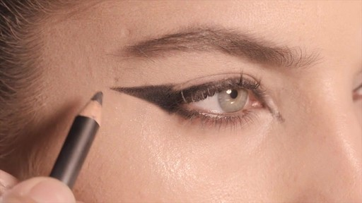 NARS Artistry Sessions : NARS Eyeliner Stylo Kristen Look - image 7 from the video