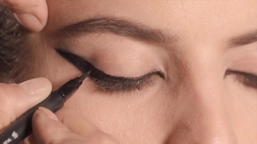 NARS Artistry Sessions : NARS Eyeliner Stylo Kristen Look - image 8 from the video
