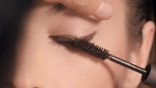 NARS Artistry Sessions : NARS Eyeliner Stylo Modern Look - image 6 from the video