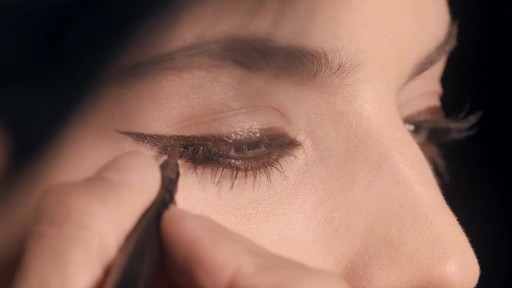 NARS Artistry Sessions : NARS Eyeliner Stylo Modern Look - image 8 from the video