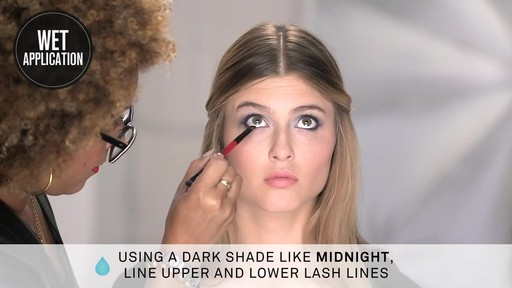 Smashbox Double Exposure Palette | Dramatic Look - image 9 from the video