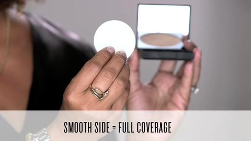 Smashbox Photo Filter Powder Foundation - image 8 from the video