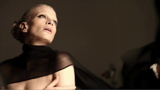 NARS Eyeliner Stylo Campaign Behind The Scenes - image 9 from the video