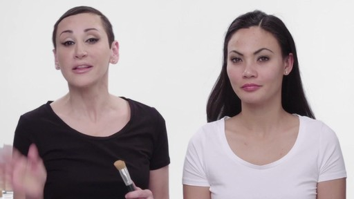 How to apply Laura Geller Baked Radiance Foundation - image 2 from the video