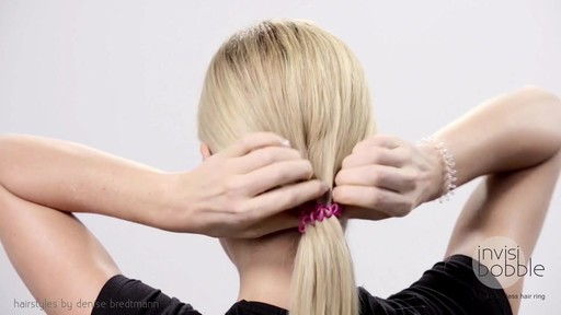 Invisibobble Daylook: Loop Braid - image 2 from the video