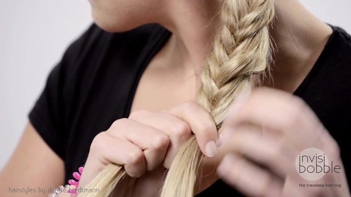 Invisibobble Daylook: Loop Braid - image 5 from the video