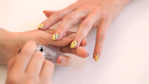 butter LONDON: 3D Pop Art Summer Nail Tutorial - image 10 from the video
