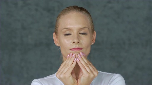 Eve Lom Special Cleanser Facial - image 7 from the video