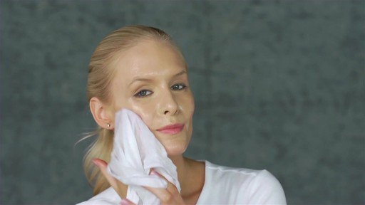 Eve Lom Special Cleanser Facial - image 9 from the video