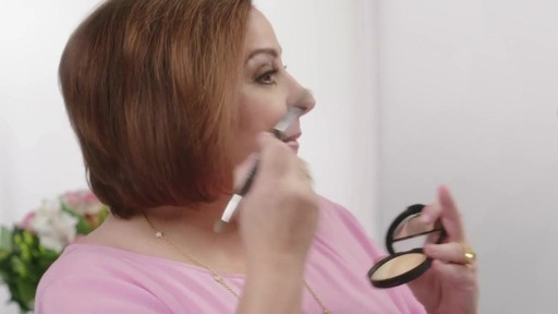 Laura's Beauty Recipes: Highlighting in 3 Easy Steps - image 2 from the video