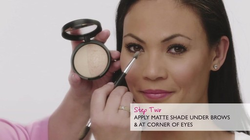 Laura's Beauty Recipes: Highlighting in 3 Easy Steps - image 5 from the video