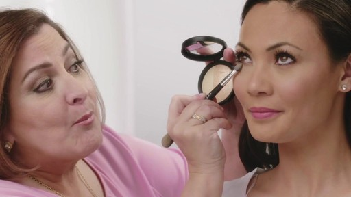 Laura's Beauty Recipes: Highlighting in 3 Easy Steps - image 6 from the video