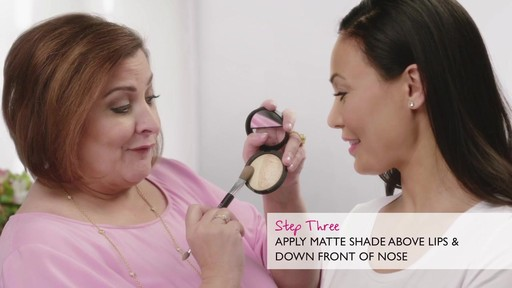 Laura's Beauty Recipes: Highlighting in 3 Easy Steps - image 8 from the video