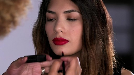 Get Lip Definition by Smashbox - image 2 from the video