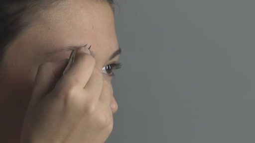 Tweezerman Beautiful Brows - image 8 from the video