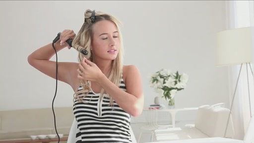 amika: beachy waves with 25mm curling wand - image 9 from the video