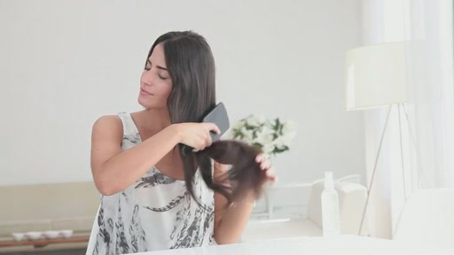 amika: small to big curls with 13-25mm tourmaline curler - image 1 from the video