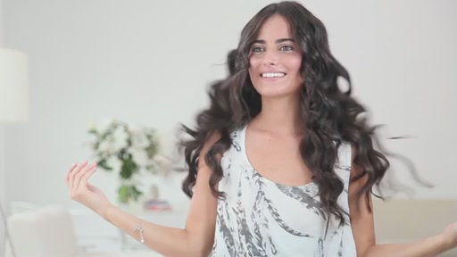 amika: loose curls with 19mm curling wand - image 10 from the video