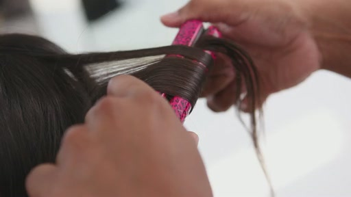 Use amika™ Ceramic Styler To Get Straight, Wavy or Curly Hair - image 5 from the video