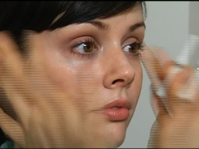 Darphin Eye Care - image 5 from the video