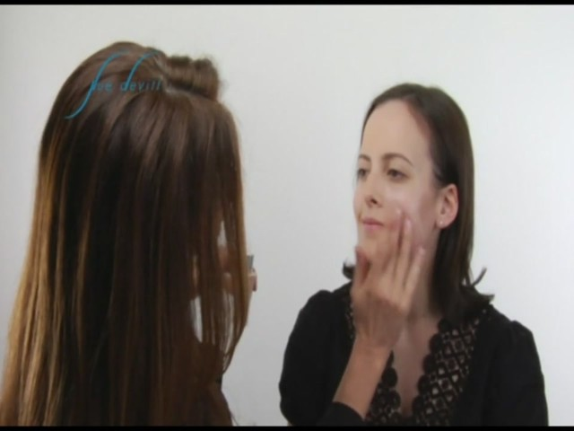 Sue Devitt 70% Triple Seaweed Gel Foundation - image 3 from the video