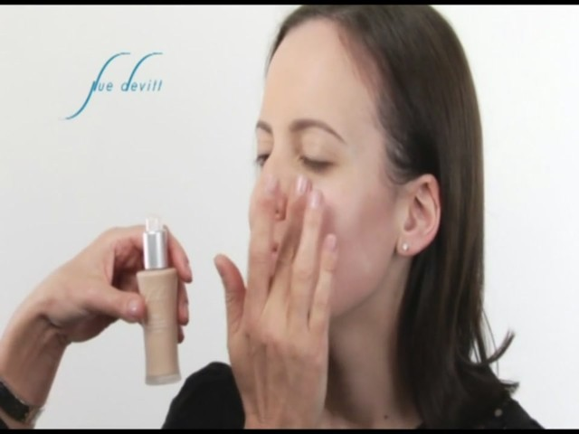 Sue Devitt 70% Triple Seaweed Gel Foundation - image 4 from the video