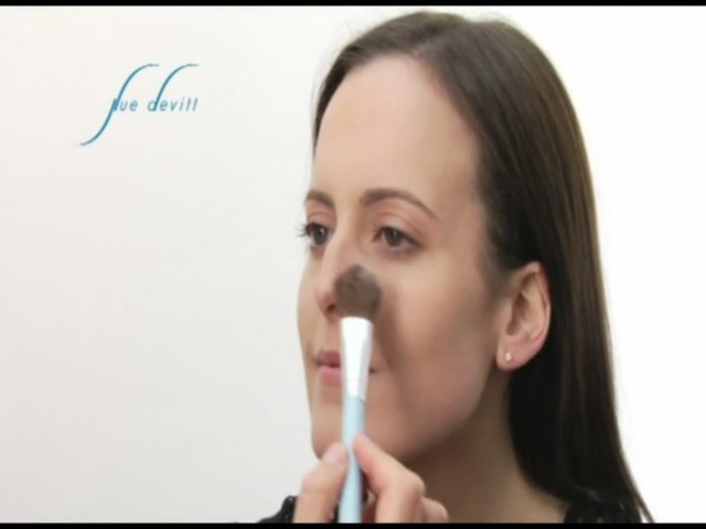 Sue Devitt 70% Triple Seaweed Gel Foundation - image 8 from the video
