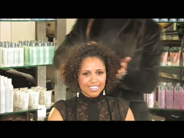 Nick Chavez Beverly Hills Revamp Restyling Refresher Spray - image 8 from the video