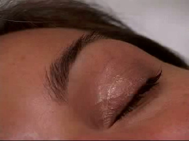 Talika Eyebrow Extender - image 4 from the video
