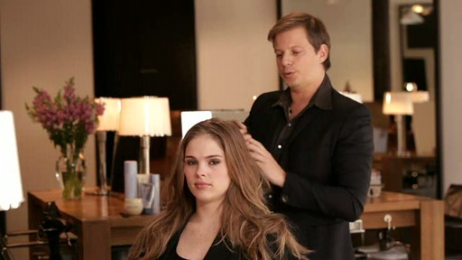 Frederic Fekkai for Thakoon: Elegant Soft Waves - image 10 from the video