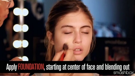 Smashbox Complexion Perfection Kit: Light - image 5 from the video