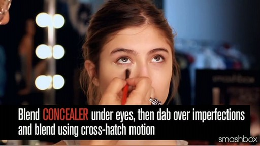 Smashbox Complexion Perfection Kit: Light - image 6 from the video