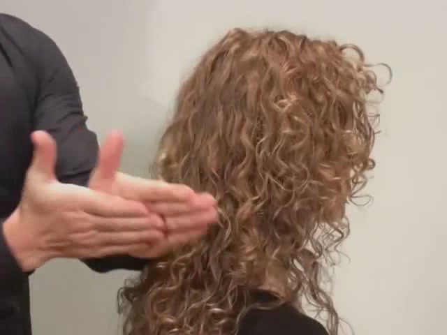 ALTERNA CAVIAR EXTREME WAX - image 2 from the video