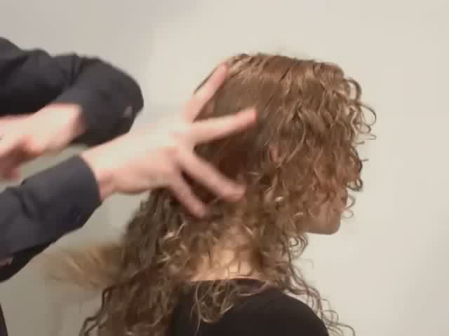ALTERNA CAVIAR EXTREME WAX - image 5 from the video