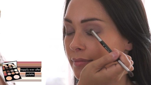 Stila Happily Ever After Palette - image 6 from the video