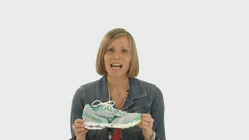 Mizuno Wave Precision 11 - image 1 from the video