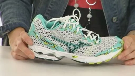 Mizuno Wave Precision 11 - image 6 from the video