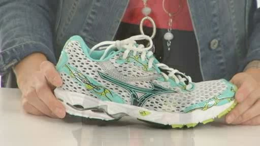 Mizuno Wave Precision 11 - image 8 from the video