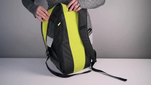 Apera Fast Pack - eBags.com - image 6 from the video