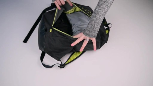 Apera Fast Pack - eBags.com - image 8 from the video