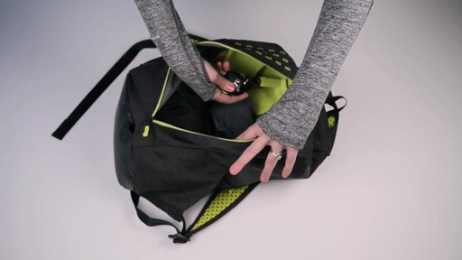 Apera Fast Pack - eBags.com - image 9 from the video