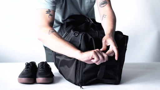Chrome Industries Osiris Duffle - image 9 from the video