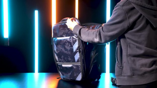 Samsonite Remagg Shieldpack - image 7 from the video