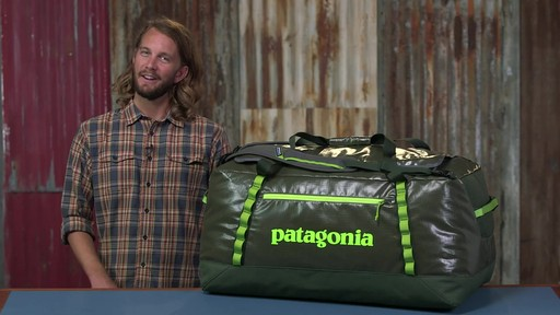 Patagonia Black Hole Duffle 120L - image 10 from the video