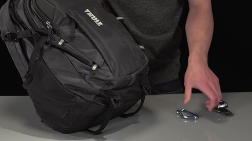 Thule EnRoute Escort 2 Daypack 27L - image 7 from the video