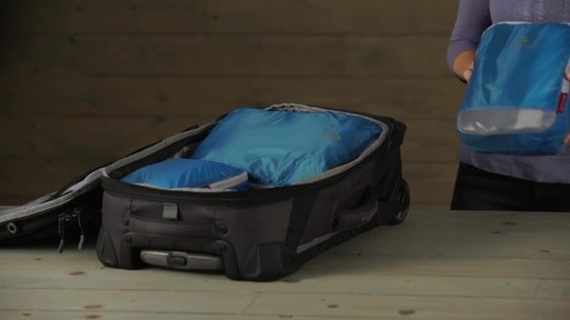 Eagle Creek Pack-It Specter™ Clean Dirty Cubes - image 8 from the video