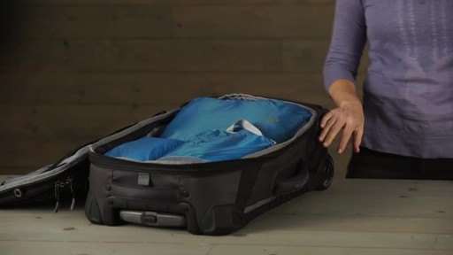 Eagle Creek Pack-It Specter™ Clean Dirty Cubes - image 9 from the video
