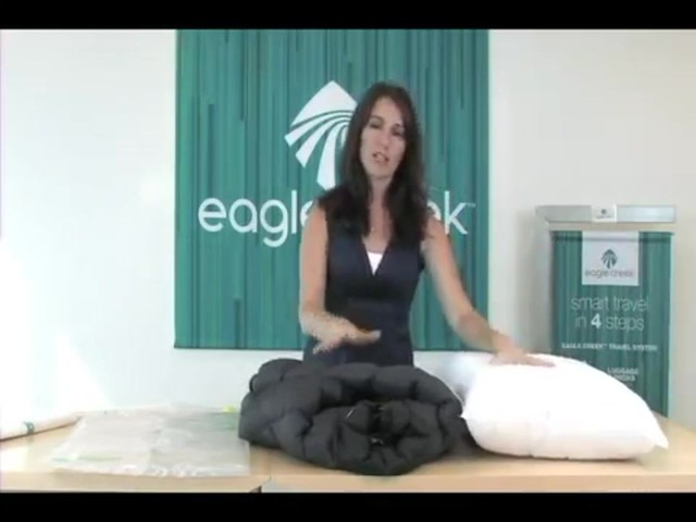 Eagle Creek Pack-It® Compression Set - image 4 from the video